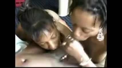 Подборка девушек, которые любят глотать сперму