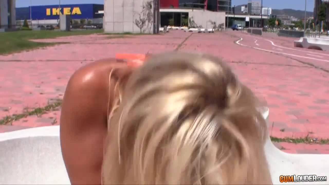 Склеили спортивную блондинку и поимели по жесткому