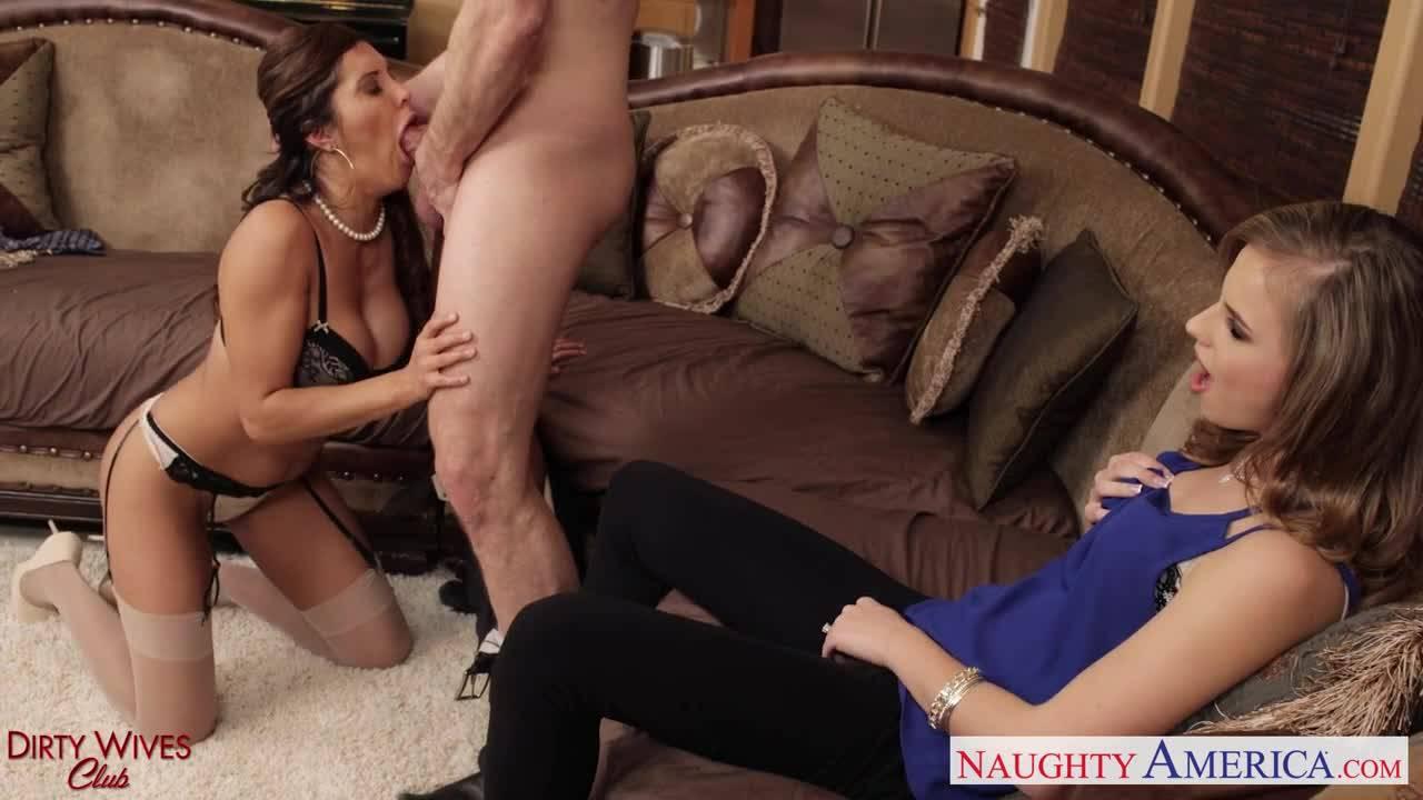 Мамаша обучает свою дочь азам секса