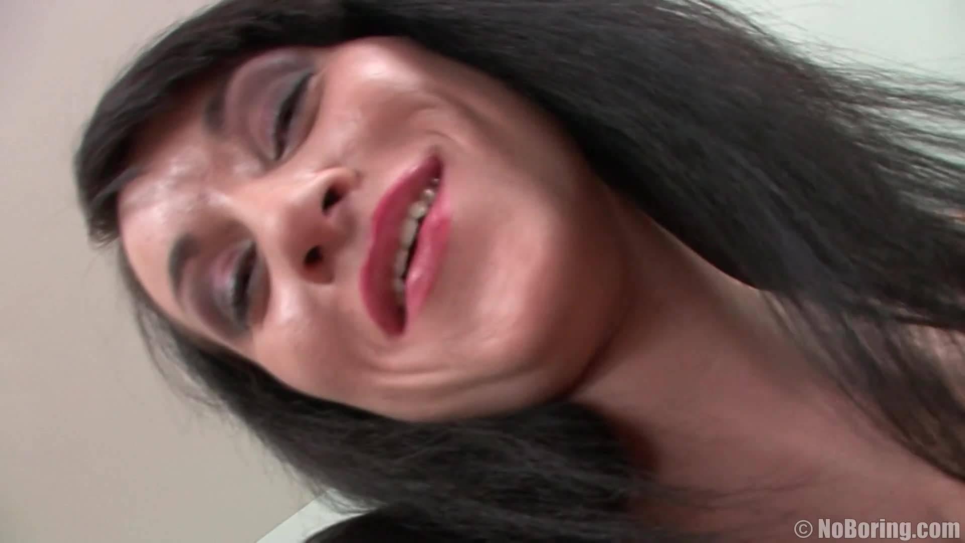Опытная милфа пришла на порно кастинг и успешно прошла отбор