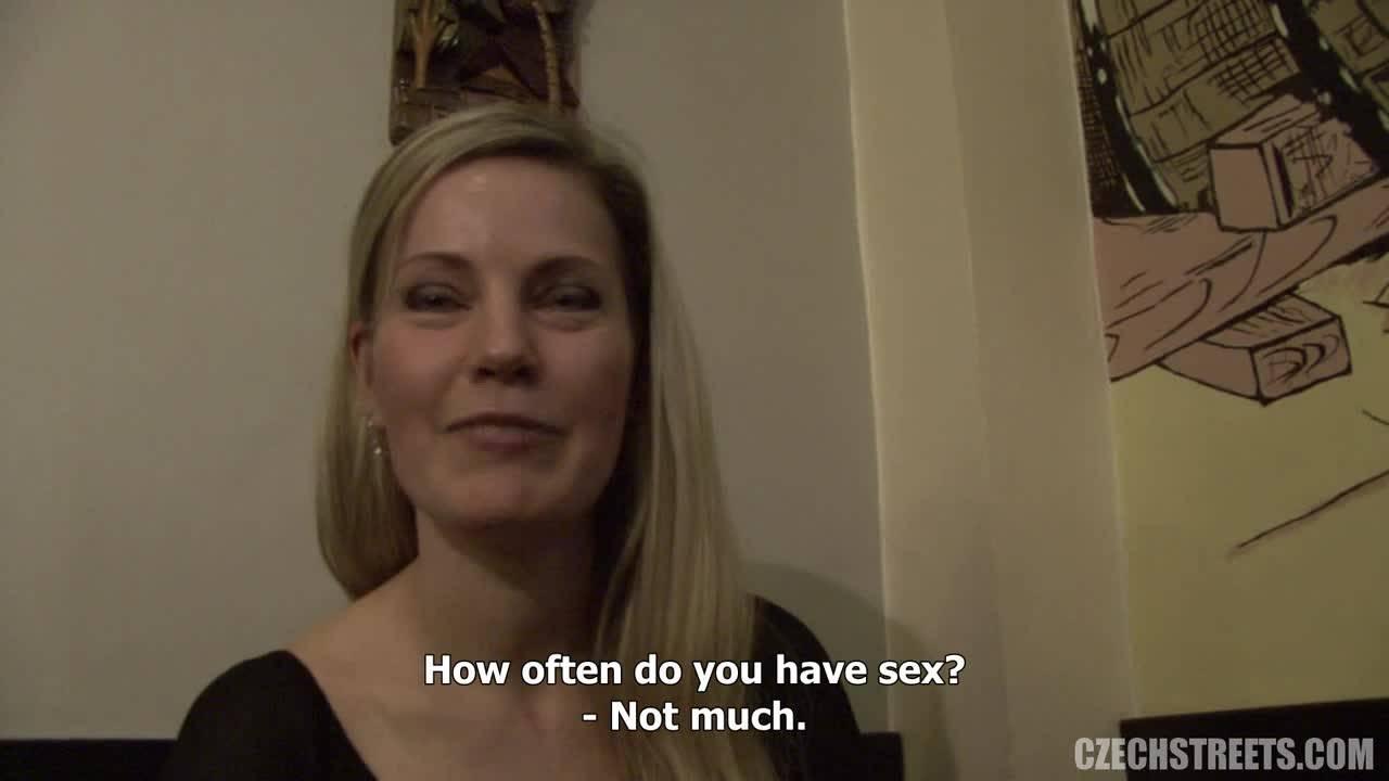 Мужик оттрахал проститутку в туалете