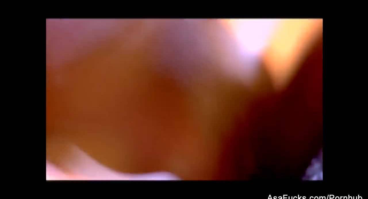 Ненасытный негр дерёт сочную азиатку