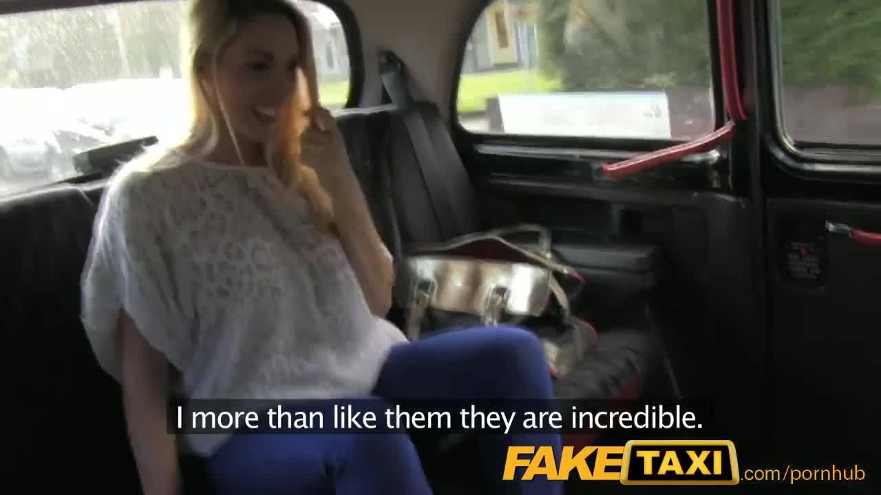 Фэйковый таксист нагибает сисястую блондинку в машине