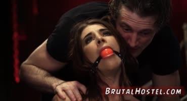 БДСМ порно с шикарной грудастой сучкой, которая обожает секс пожестче