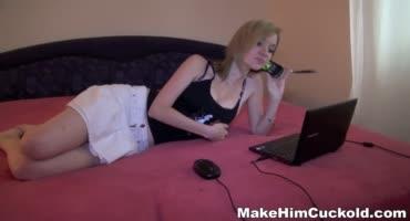 Блондинка заставила своего мужа смотреть на то как её трахают
