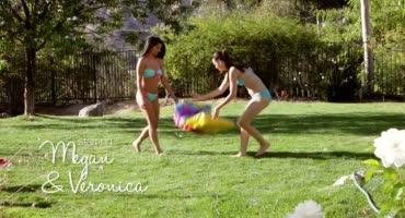Йога на траве плавно вылилась в сочные куни студенток