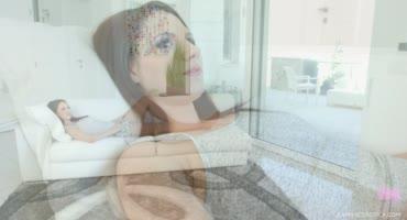 Высокие брюнетки соблазняют друг друга, чтобы скрасить своё одиночество