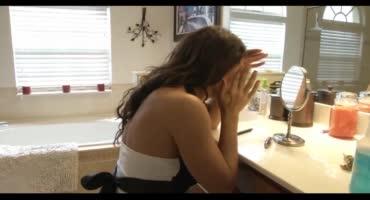Зрелая домохозяйка обтрахала со своим дружком весь дом