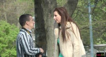 Зрелая самка предложила парню с улицы уединиться и перепихнуться