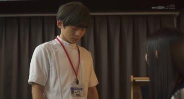 Развратная японка привязала пацана к креслу и поиграла с членом