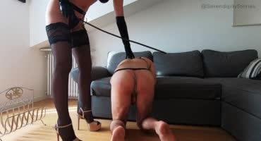 Опытная госпожа издевается над своим мужиком