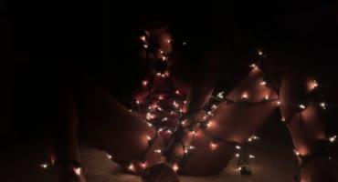 Рождественская самодрочка самотыком и бурный сквирт