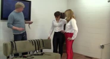 Две офисные сучки пришли испытать на себе все прелести связывания