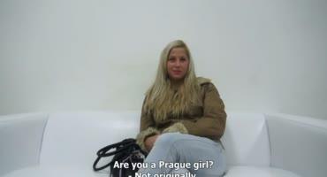 Шикарная блондинка пришла на кастинг, чтобы трахнуться и получить работу