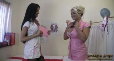 Медсестра провела полный осмотр нового доктора с большими сиськами