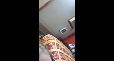 Негр с маленьким членом прёт юную соску в очках и кончает на лицо