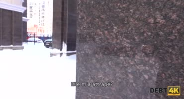 Властная русская девка связала парня и села на его лицо