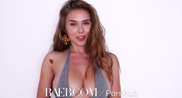 Сексуальная Ленка трахается с огромным членом