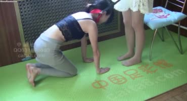 Жёсткий фетиш азиатского лесби доминирования