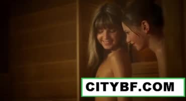 Совместный душ перерос в нежный секс двух малышек