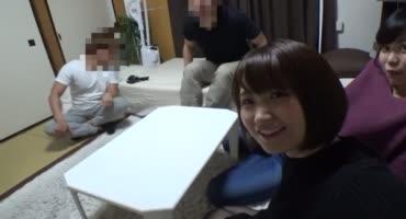 Очаровательные японки трахаются с друзьями
