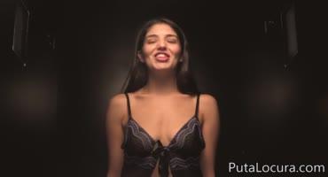 Сексуальная латинка нагрешила во время исповедования