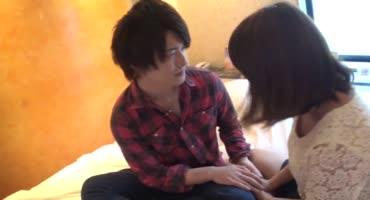 Японцы лечатся от коронавируса жарким сексом на кровати