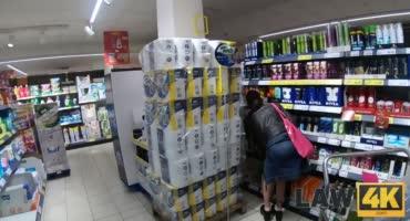 Молоденькую малышка трахнули после кражи в магазине