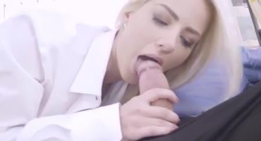 Красивый секс с более красивой блондиночкой