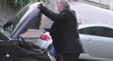 За починку машины молодуха трахнулась с дедом