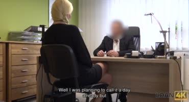Трахнула босса, чтобы не потерять работу в офисе