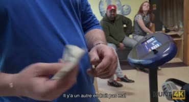 Чувак берет деньги за минет со своей девушкой