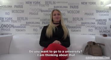 Сочная чешская блондинка попала на порно кастинг