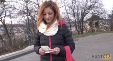 Мужик познакомился с гламурной сукой и трахнул её за деньги