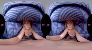 Молодая блондиночка Дженни Вайлд скачет на члене на все 360 градусов