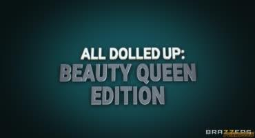Парень жестко трахнул королеву красоты и кончил ей на лицо