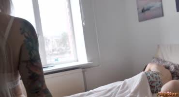 Заночевала в гостях и под утром трахнула мужа подруги
