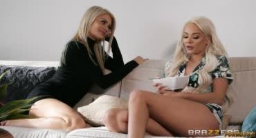 Милые лесбиянки страстно дрочат друг другу киски