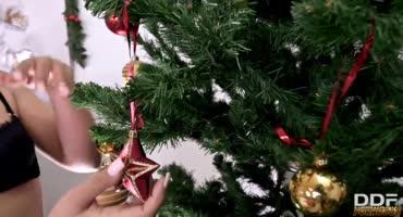 Настроение новогоднее, можно дать и в анал