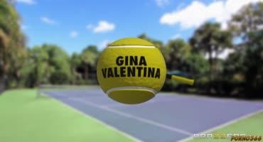 Горячая латиночка трахается с парнем после игры в теннис