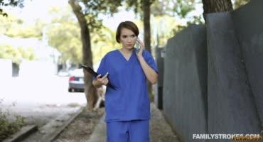 Медсестричка знает как лечить каменный стояк