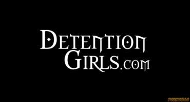 Три подружки трахаются с инспектором по делам несовершеннолетних