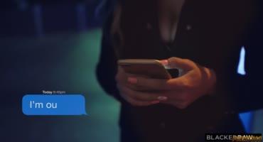 Скай Блю ведёт снимает очередной влог, пока её долбит горячий негр