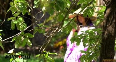 Взял в плен молоденькую азиатку, попытавшись расколоть ее членом