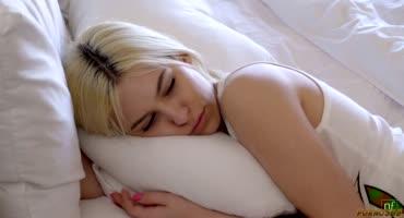 Коди Стил отжарил худую блонду Киару Коул