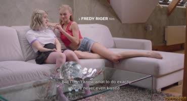 Фигуристые, русские девушки Нэнси Эйс и Леди Джей занялись сексом