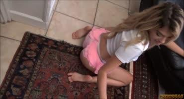 Папочка наказал свою дочку за видео в снэпчат