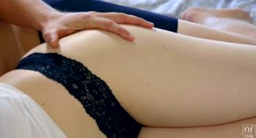 Нежный утренний секс с прелюдиями от молодоженов