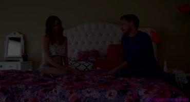 Алекс Блэйк и Каролина Свитс вдвоем легли под самца