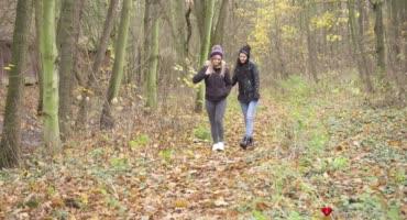 Люсетте Найс и Аня Дарлинг вернулись с леса и сразу же занялись сексом